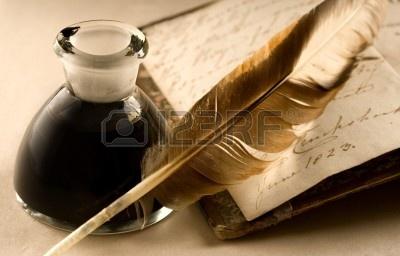 11293157 un vieux livre avec une plume et l 39 encrier plein d 39 encre